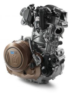 26596_hqv-701-engine-ri-front-my17